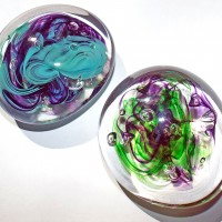 b.SALT glass studios©.SALT glass studios. Example of Students Paperweight Course.